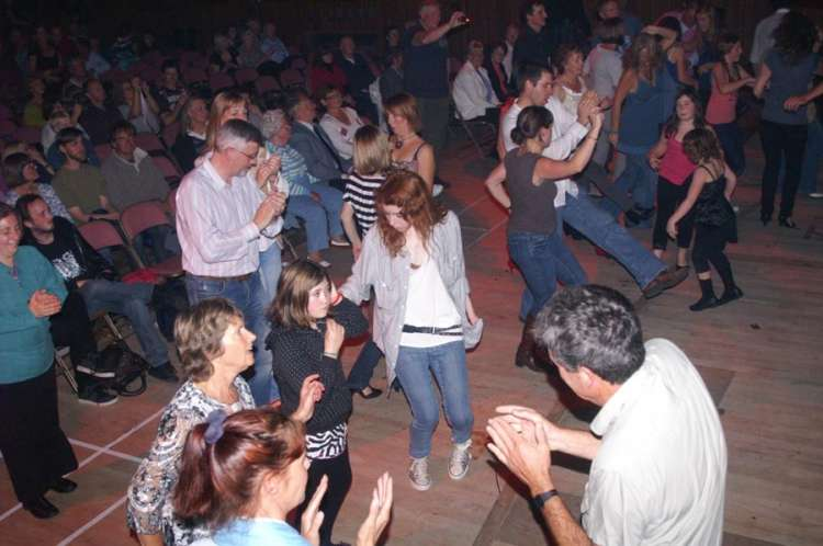 Cowalfest - Dancing at the Peatbog Faeries Concert